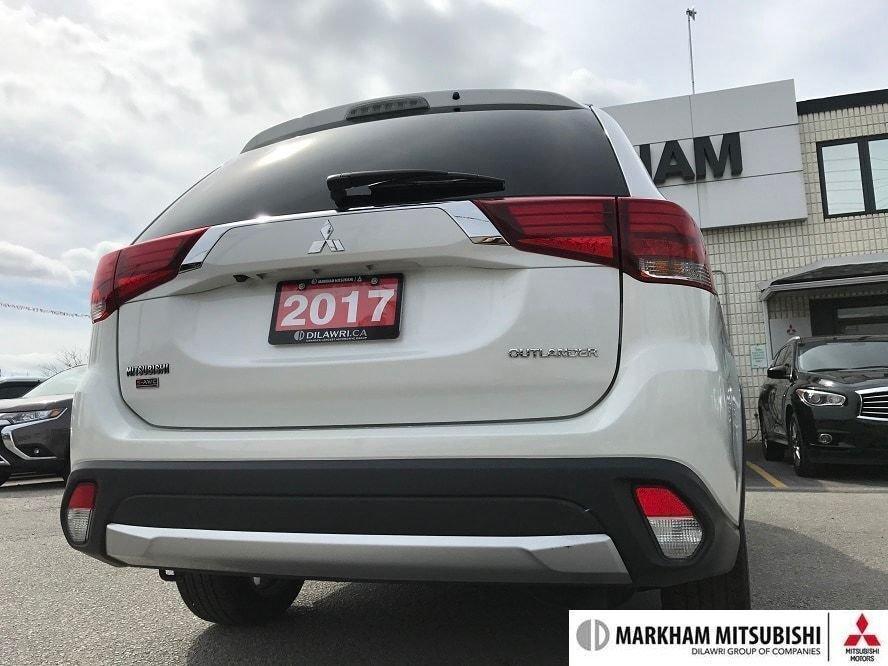 2017 Mitsubishi Outlander GT S-AWC in Markham, Ontario - 4 - w1024h768px