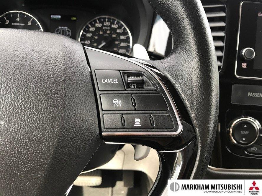 2017 Mitsubishi Outlander GT S-AWC in Markham, Ontario - 14 - w1024h768px