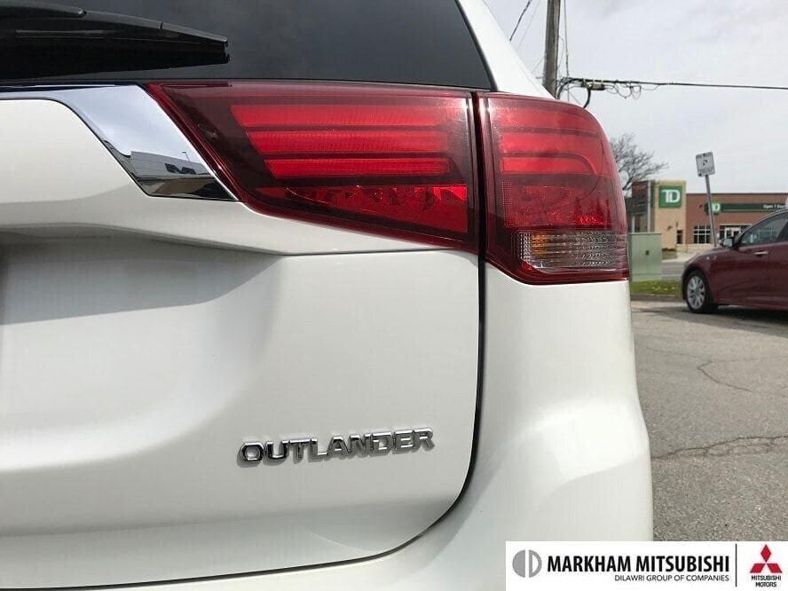 2017 Mitsubishi Outlander GT S-AWC in Markham, Ontario - 10 - w1024h768px