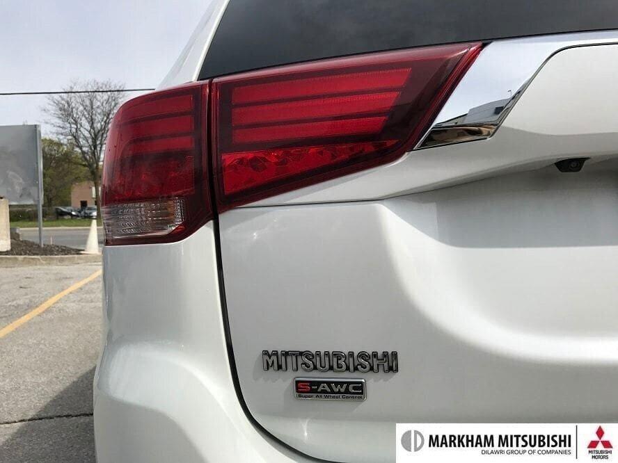 2017 Mitsubishi Outlander GT S-AWC in Markham, Ontario - 8 - w1024h768px