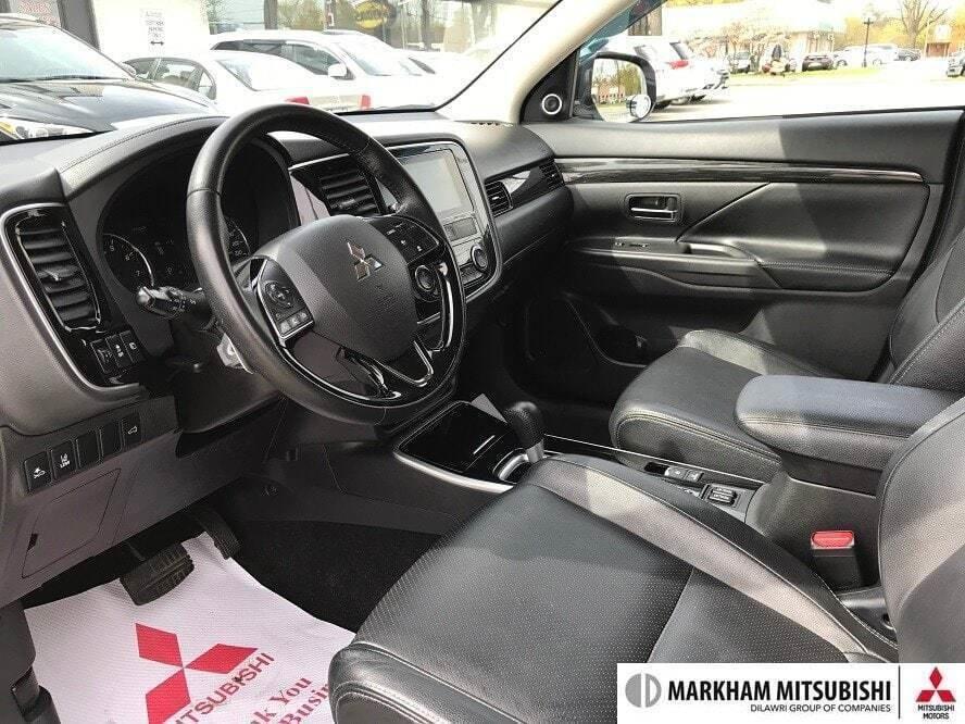 2017 Mitsubishi Outlander GT S-AWC in Markham, Ontario - 12 - w1024h768px