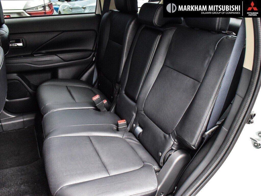 2018 Mitsubishi Outlander ES AWC Touring in Markham, Ontario - 24 - w1024h768px