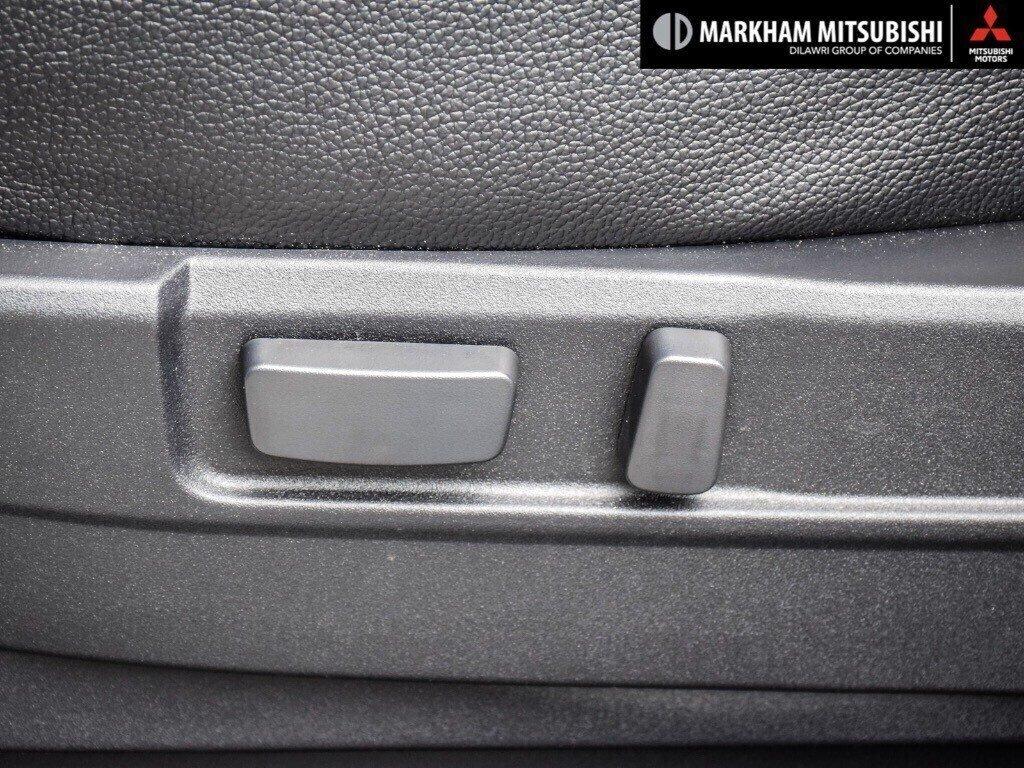 2018 Mitsubishi Outlander ES AWC Touring in Markham, Ontario - 23 - w1024h768px