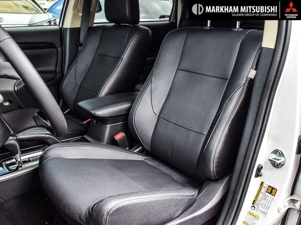 2018 Mitsubishi Outlander ES AWC Touring in Markham, Ontario - 9 - w1024h768px