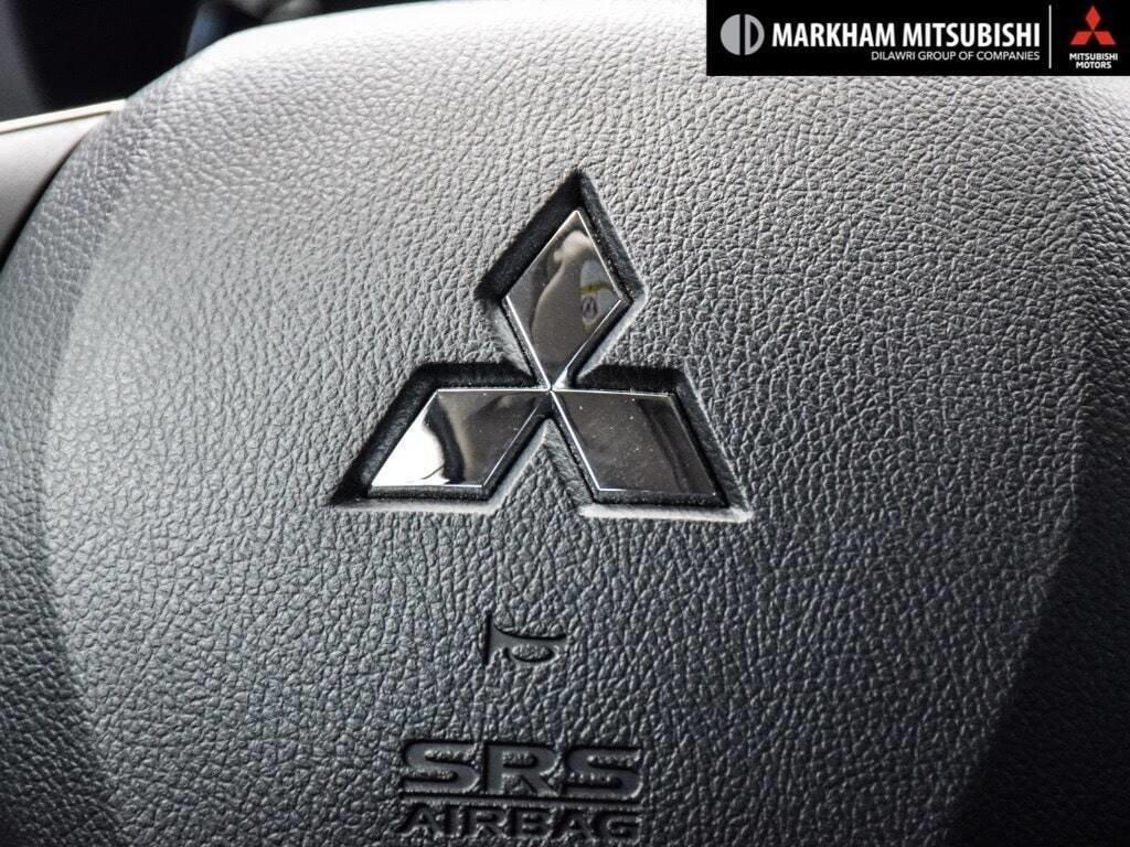 2018 Mitsubishi Outlander ES AWC Touring in Markham, Ontario - 15 - w1024h768px
