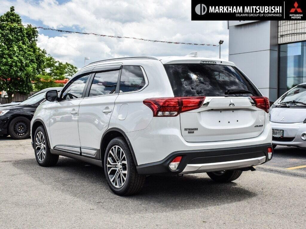 2018 Mitsubishi Outlander ES AWC Touring in Markham, Ontario - 4 - w1024h768px