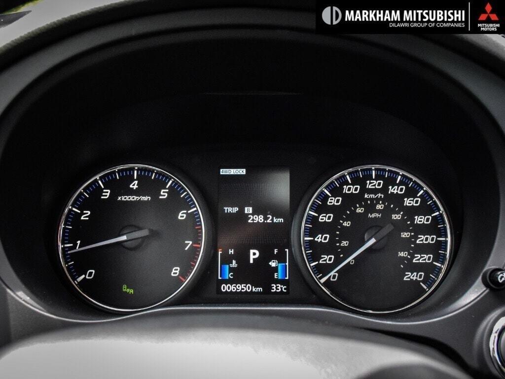 2018 Mitsubishi Outlander ES AWC Touring in Markham, Ontario - 13 - w1024h768px