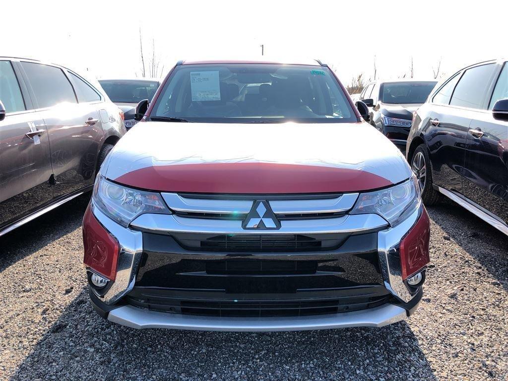2018 Mitsubishi Outlander ES AWC Touring in Markham, Ontario - 5 - w1024h768px