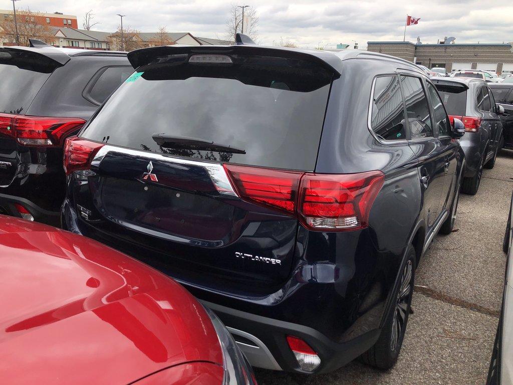 2019 Mitsubishi Outlander ES AWC Touring in Mississauga, Ontario - 9 - w1024h768px