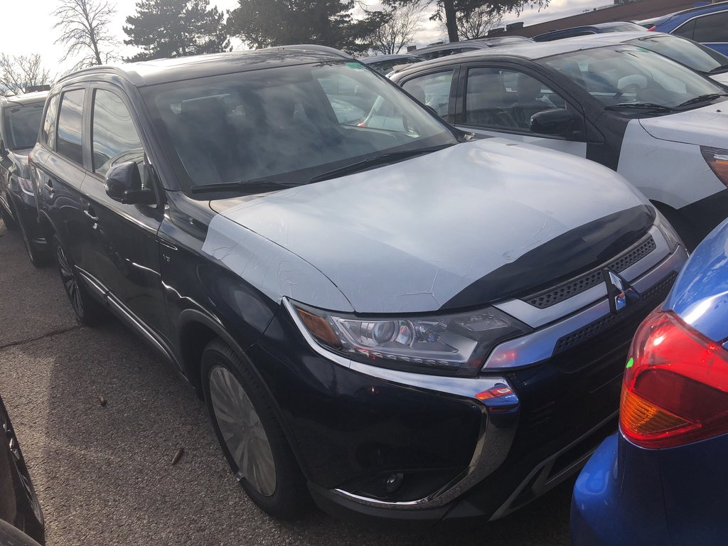 2019 Mitsubishi Outlander SE AWC in Mississauga, Ontario - 4 - w1024h768px