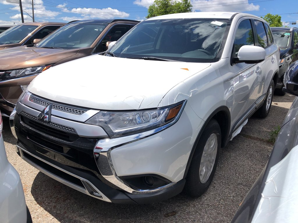 2019 Mitsubishi Outlander ES AWC in Mississauga, Ontario - 1 - w1024h768px