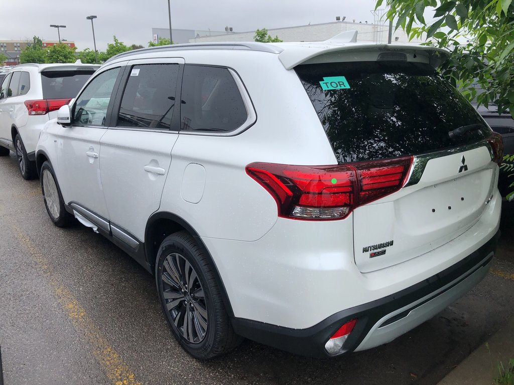 2019 Mitsubishi Outlander GT S-AWC in Mississauga, Ontario - 2 - w1024h768px
