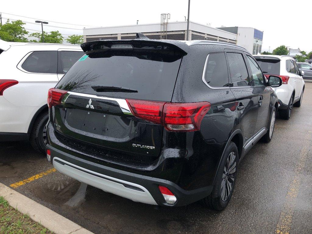 2019 Mitsubishi Outlander ES AWC Touring in Mississauga, Ontario - 4 - w1024h768px