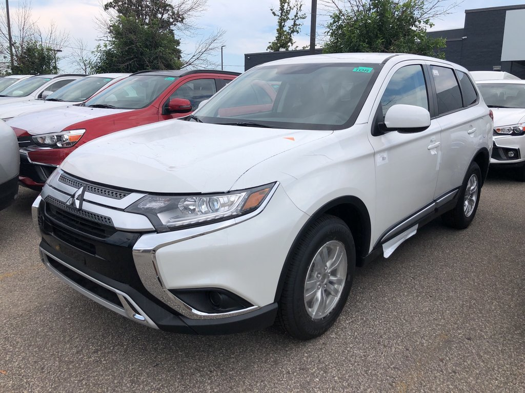 2019 Mitsubishi Outlander ES AWC in Mississauga, Ontario - 1 - w1024h768px