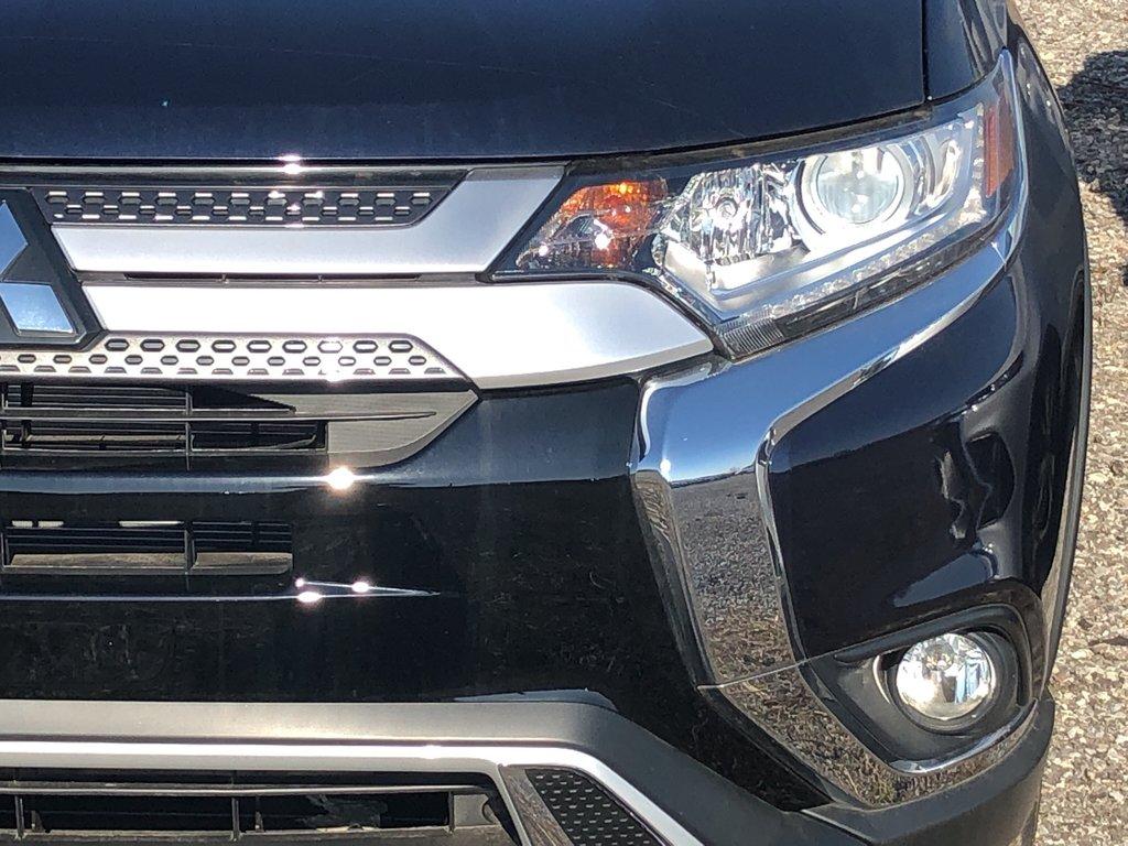 2019 Mitsubishi Outlander ES AWC Touring in Markham, Ontario - 2 - w1024h768px