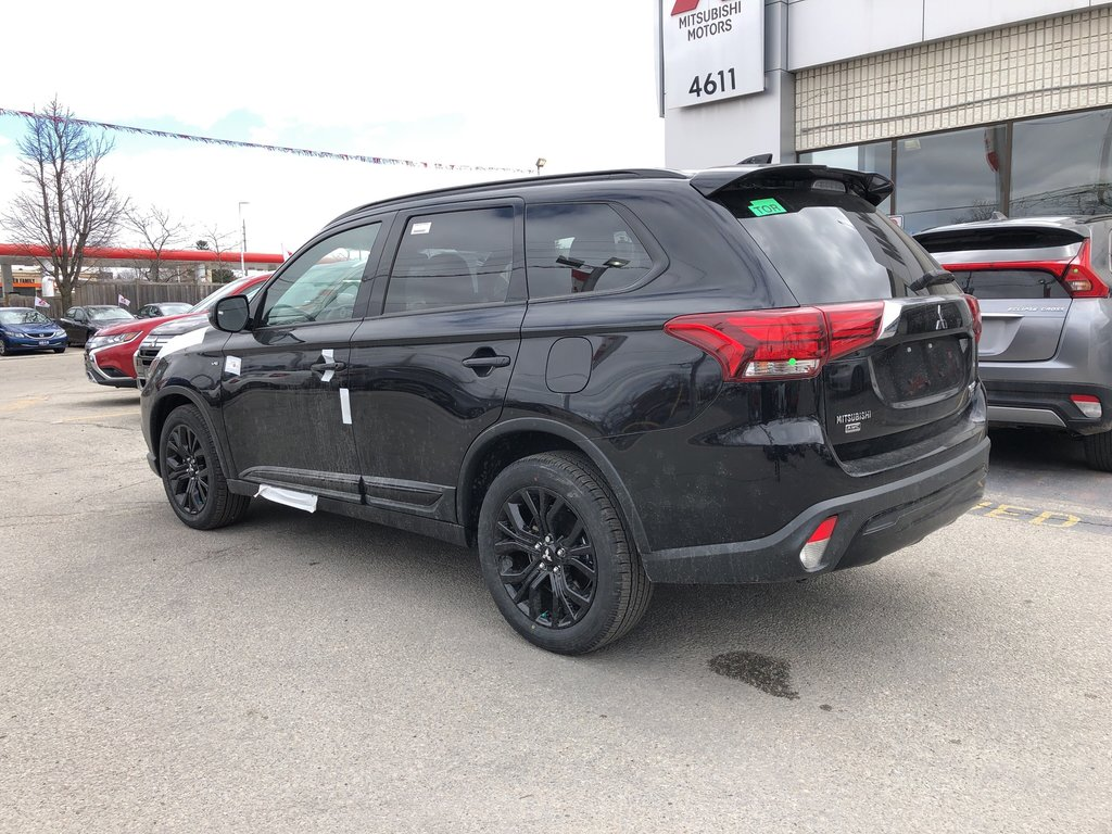 2019 Mitsubishi Outlander SE AWC Black Edition in Markham, Ontario - 3 - w1024h768px