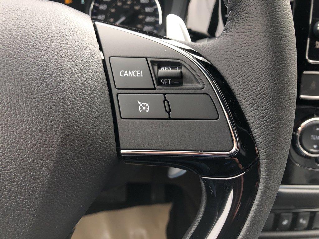 2019 Mitsubishi Outlander SE AWC Black Edition in Markham, Ontario - 11 - w1024h768px