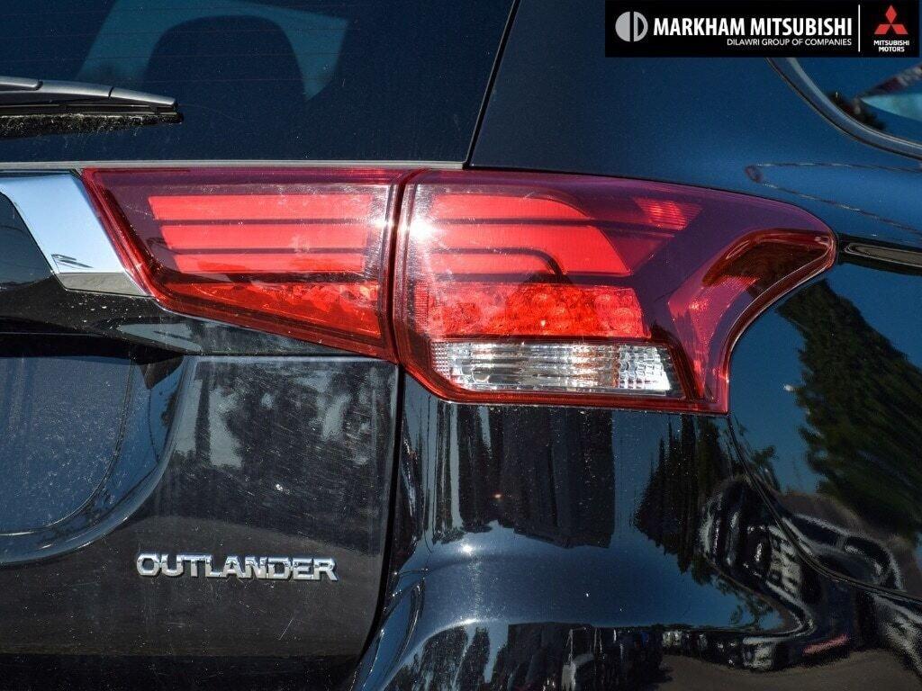 2019 Mitsubishi Outlander ES AWC in Markham, Ontario - 8 - w1024h768px