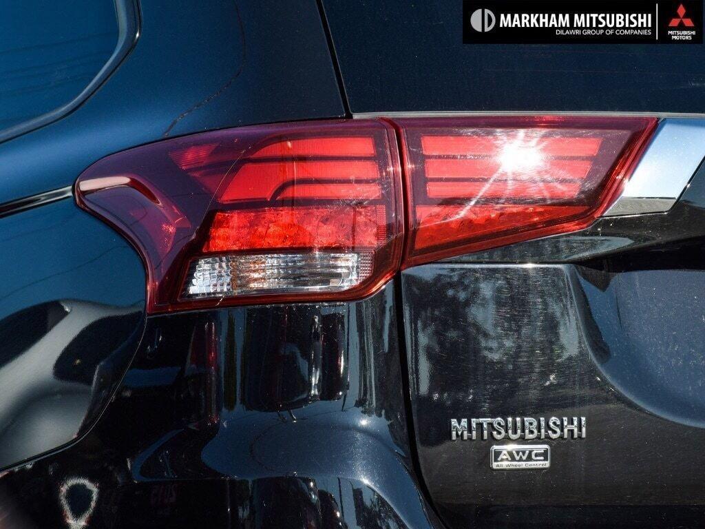 2019 Mitsubishi Outlander ES AWC in Markham, Ontario - 9 - w1024h768px