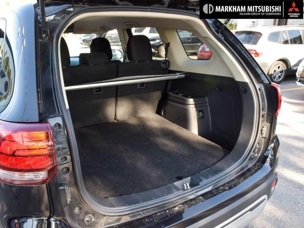 2019 Mitsubishi Outlander ES AWC in Markham, Ontario - 25 - w1024h768px