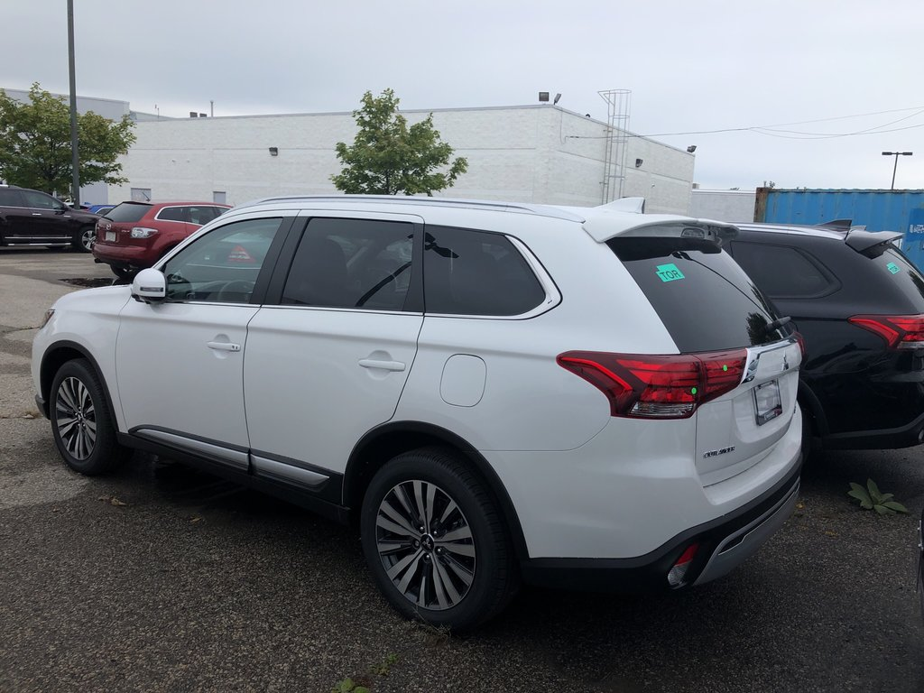 2020 Mitsubishi Outlander EX-L S-AWC in Mississauga, Ontario - 3 - w1024h768px