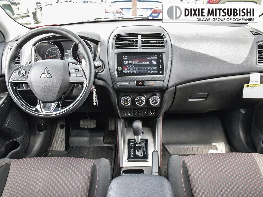 2018 Mitsubishi RVR 2.4L 4WD SE Limited Edition in Mississauga, Ontario - 11 - w1024h768px