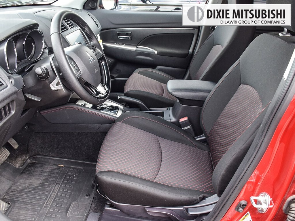 2018 Mitsubishi RVR 2.4L 4WD SE Limited Edition in Mississauga, Ontario - 10 - w1024h768px