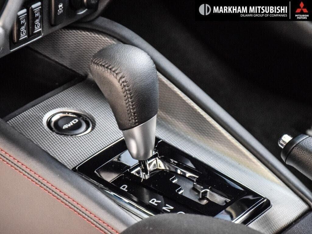 2018 Mitsubishi RVR 2.4L 4WD SE Limited Edition in Markham, Ontario - 23 - w1024h768px