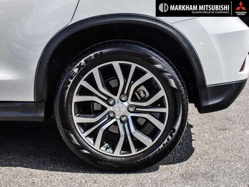 2018 Mitsubishi RVR 2.4L 4WD SE Limited Edition in Markham, Ontario - 9 - w1024h768px