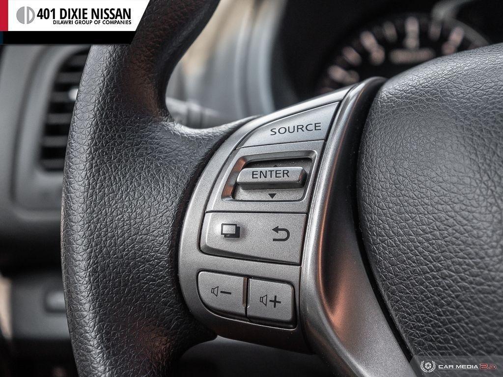 2014 Nissan Altima Sedan 2.5 CVT in Mississauga, Ontario - 16 - w1024h768px