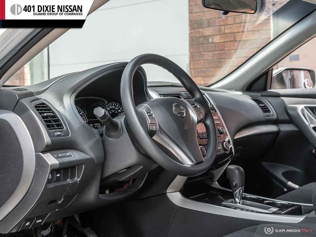 2014 Nissan Altima Sedan 2.5 CVT in Mississauga, Ontario - 11 - w1024h768px