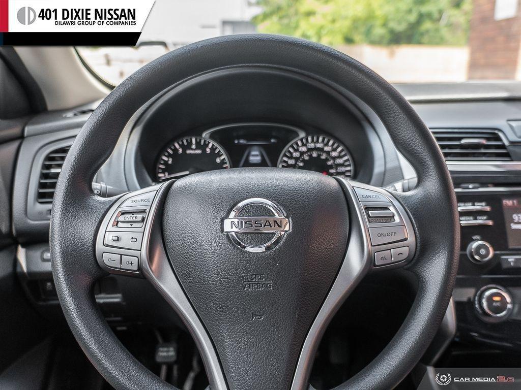 2014 Nissan Altima Sedan 2.5 CVT in Mississauga, Ontario - 12 - w1024h768px