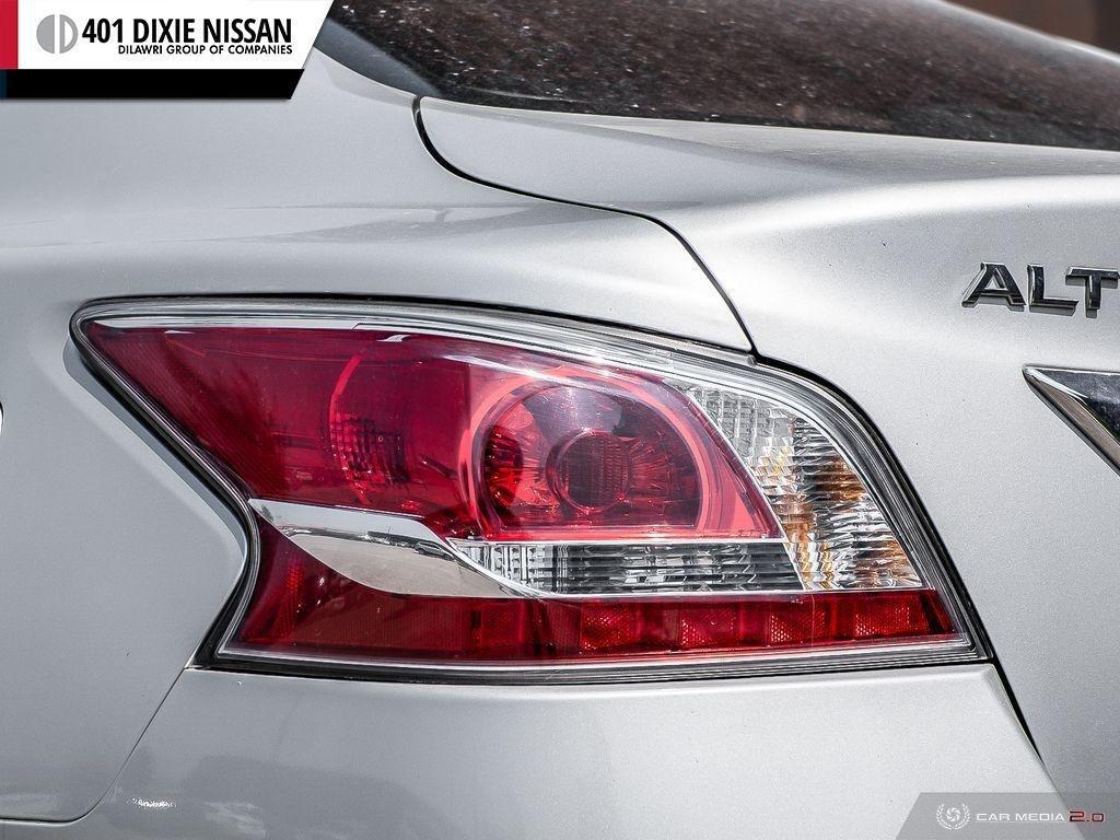 2014 Nissan Altima Sedan 2.5 CVT in Mississauga, Ontario - 10 - w1024h768px