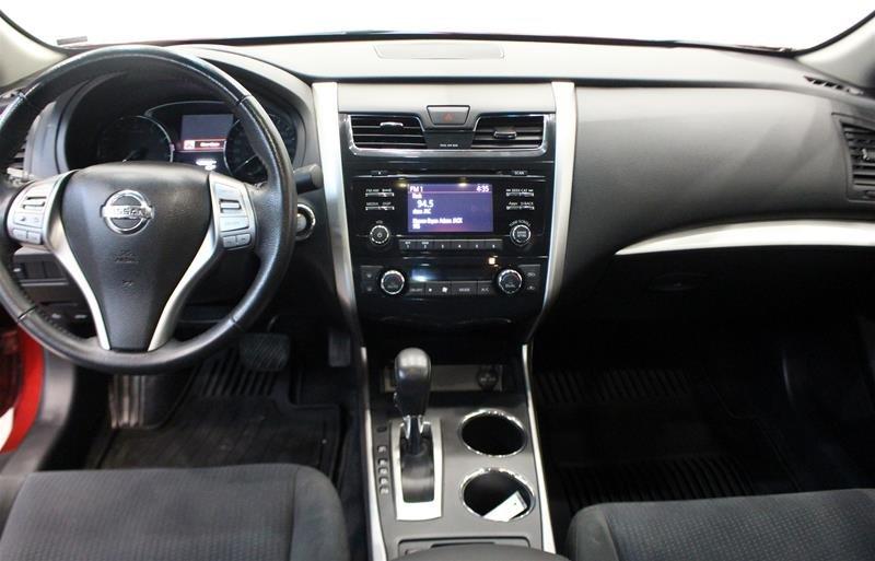 2015 Nissan Altima Sedan 2.5 SV CVT in Regina, Saskatchewan - 14 - w1024h768px