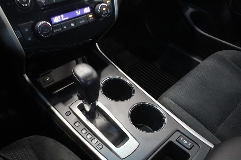 2015 Nissan Altima Sedan 2.5 SV CVT in Regina, Saskatchewan - 4 - w1024h768px