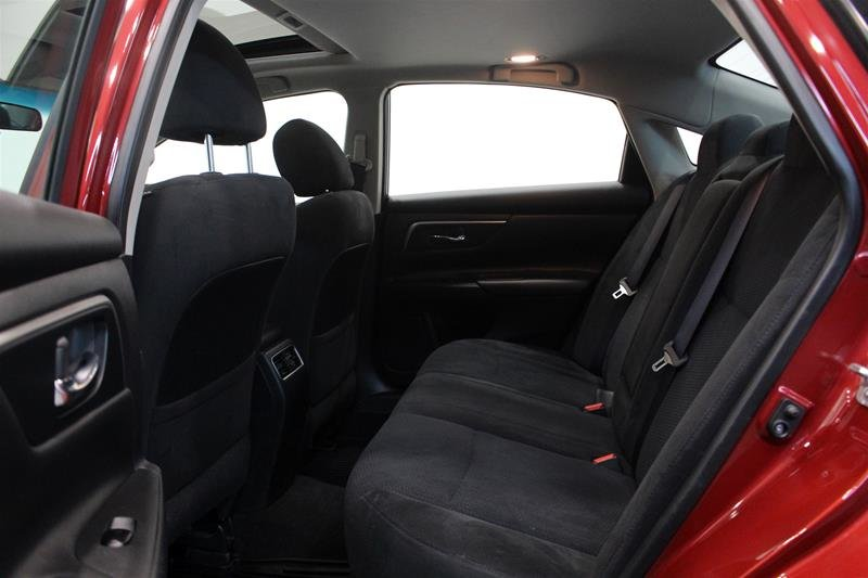 2015 Nissan Altima Sedan 2.5 SV CVT in Regina, Saskatchewan - 12 - w1024h768px