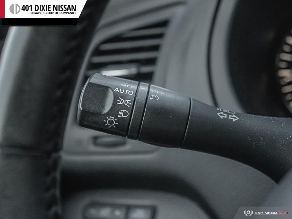 2015 Nissan Altima Sedan 2.5 SV CVT in Mississauga, Ontario - 15 - w1024h768px