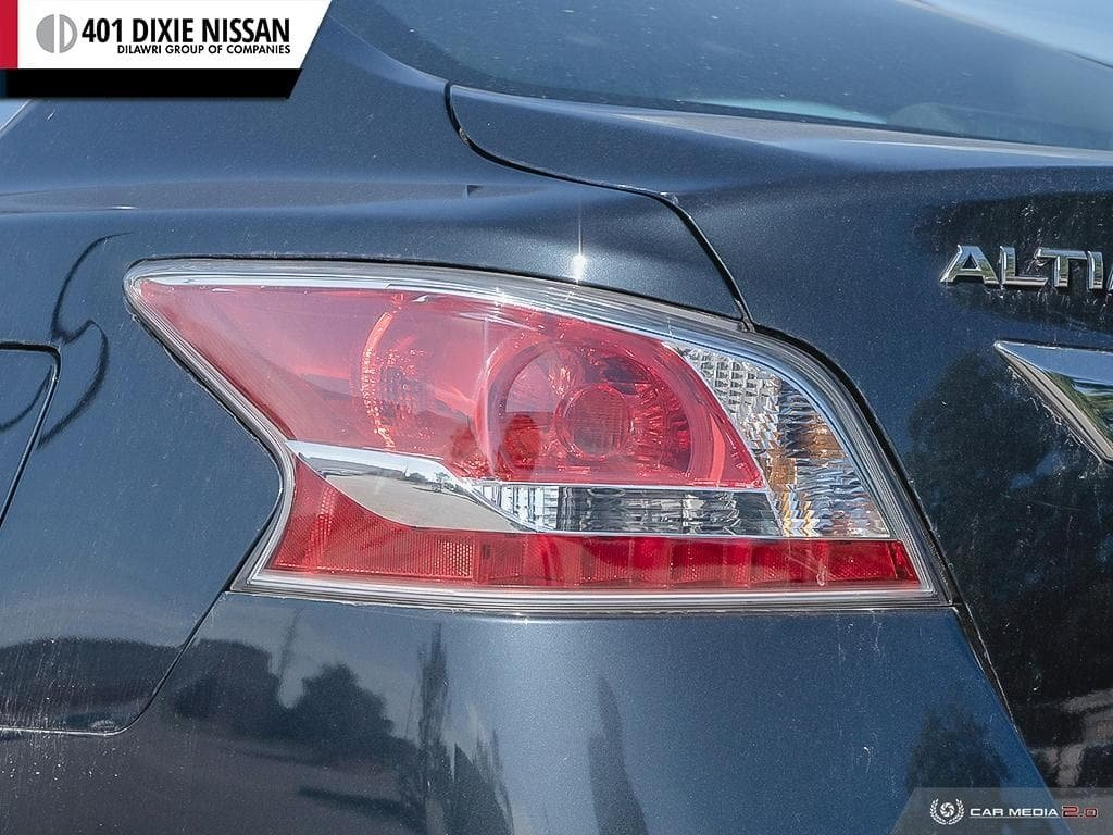 2015 Nissan Altima Sedan 2.5 SV CVT in Mississauga, Ontario - 11 - w1024h768px