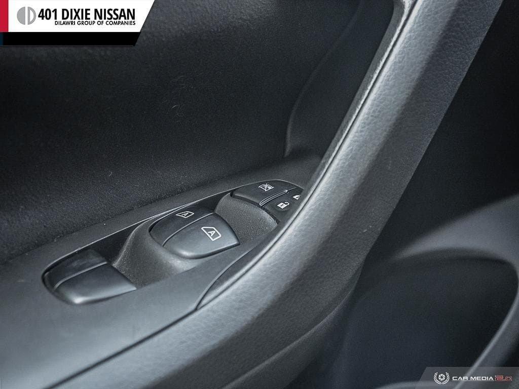 2015 Nissan Altima Sedan 2.5 SV CVT in Mississauga, Ontario - 16 - w1024h768px