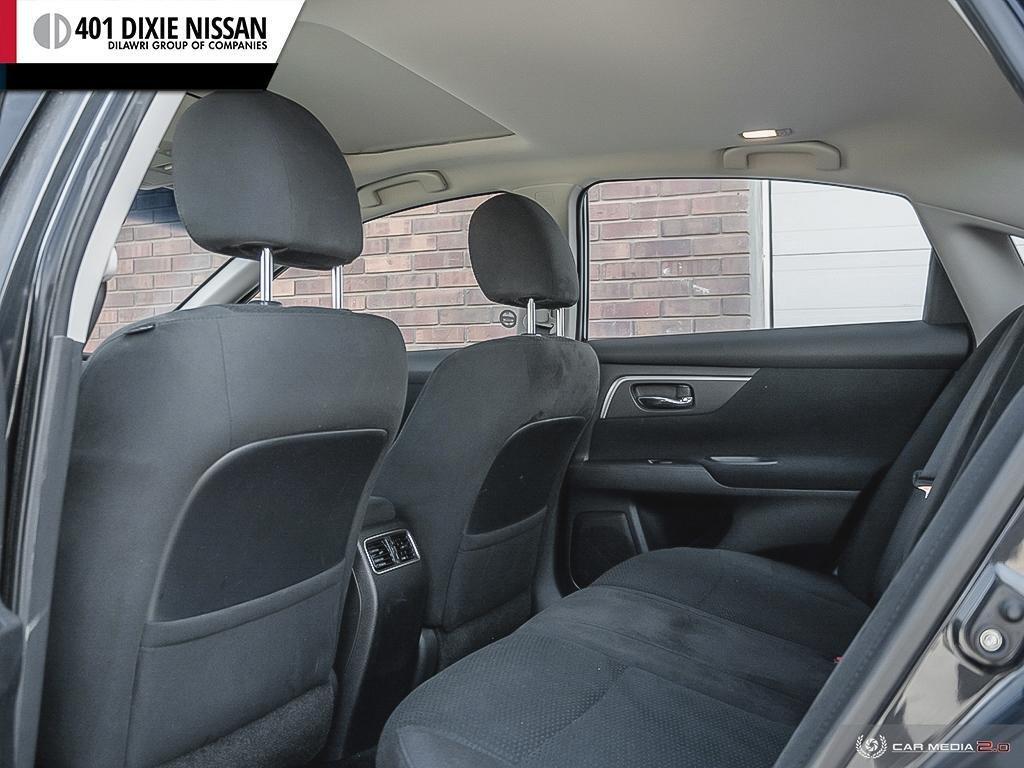 2015 Nissan Altima Sedan 2.5 SV CVT in Mississauga, Ontario - 23 - w1024h768px