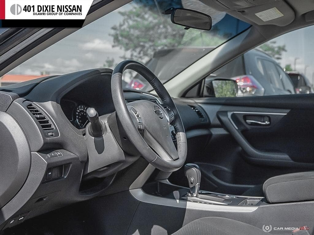 2015 Nissan Altima Sedan 2.5 SV CVT in Mississauga, Ontario - 12 - w1024h768px
