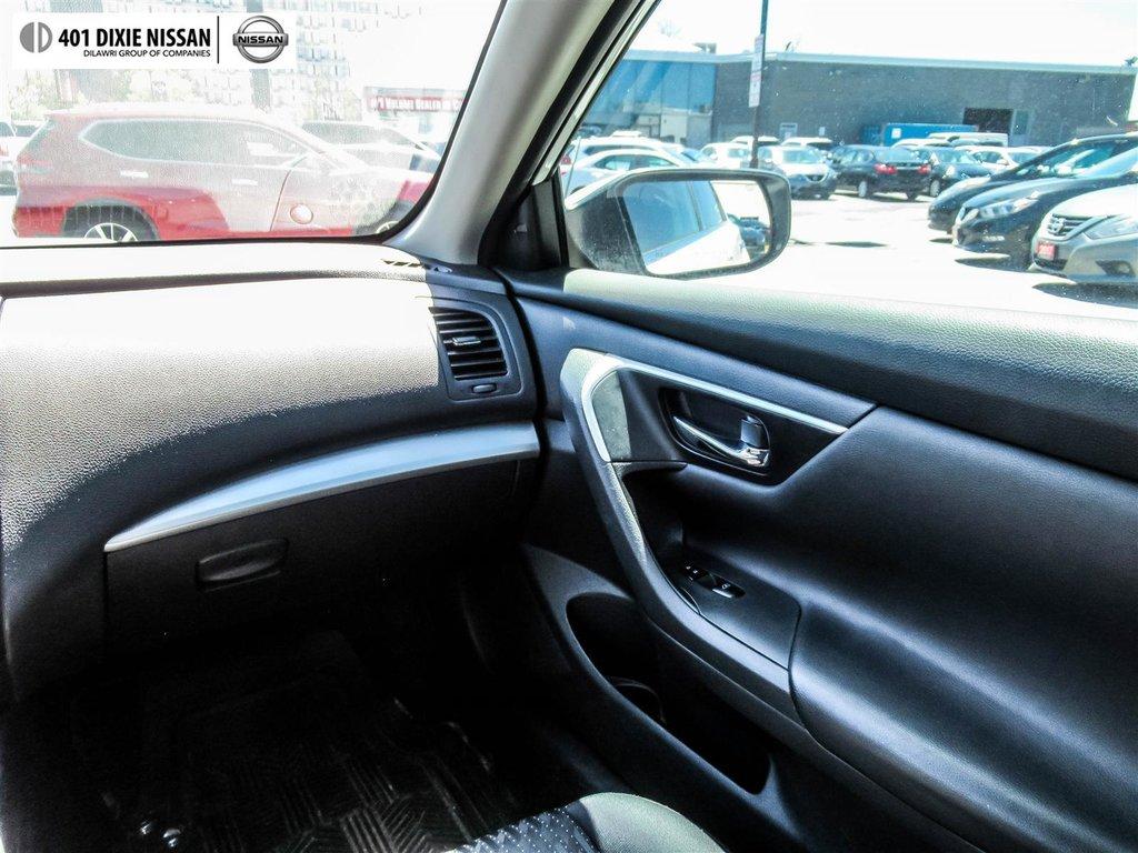 2016 Nissan Altima Sedan 2.5 SV CVT in Mississauga, Ontario - 16 - w1024h768px