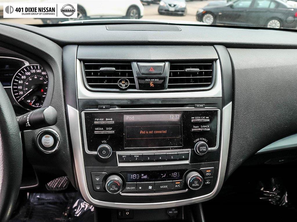2016 Nissan Altima Sedan 2.5 SV CVT in Mississauga, Ontario - 43 - w1024h768px