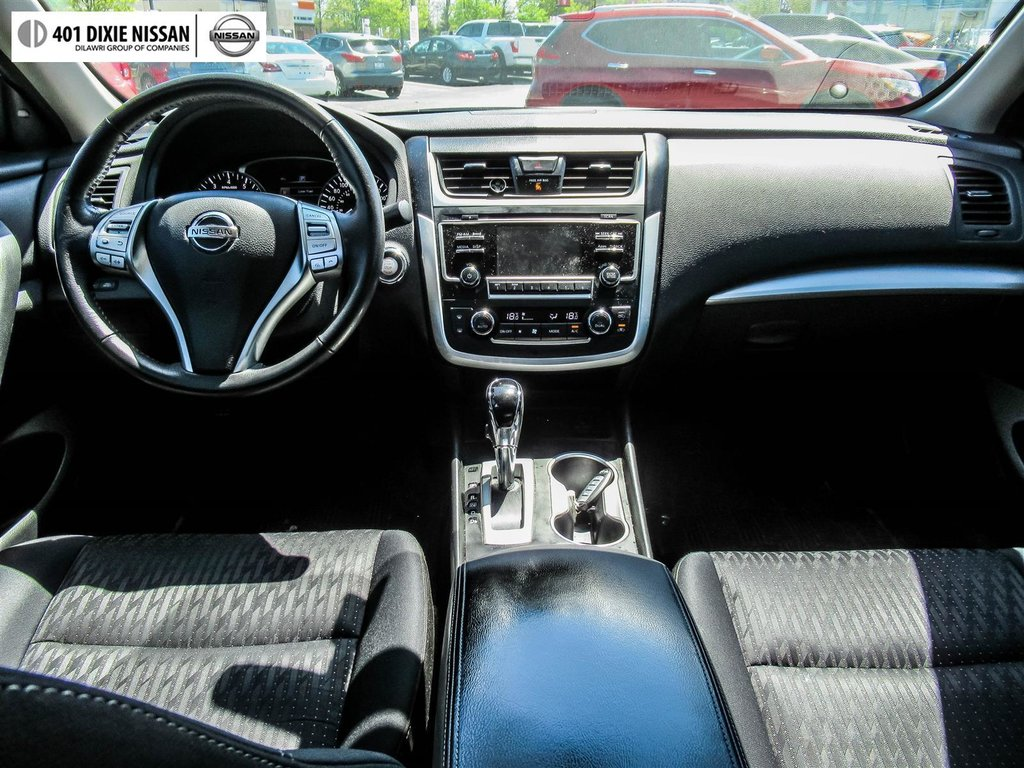 2016 Nissan Altima Sedan 2.5 SV CVT in Mississauga, Ontario - 13 - w1024h768px
