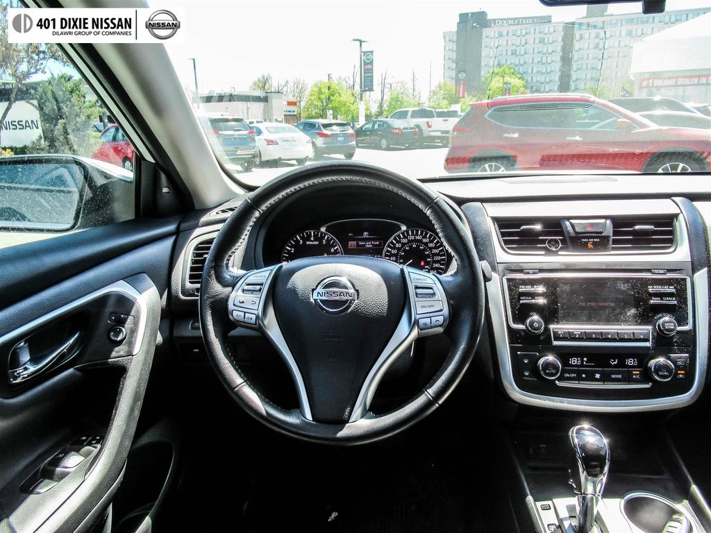 2016 Nissan Altima Sedan 2.5 SV CVT in Mississauga, Ontario - 14 - w1024h768px