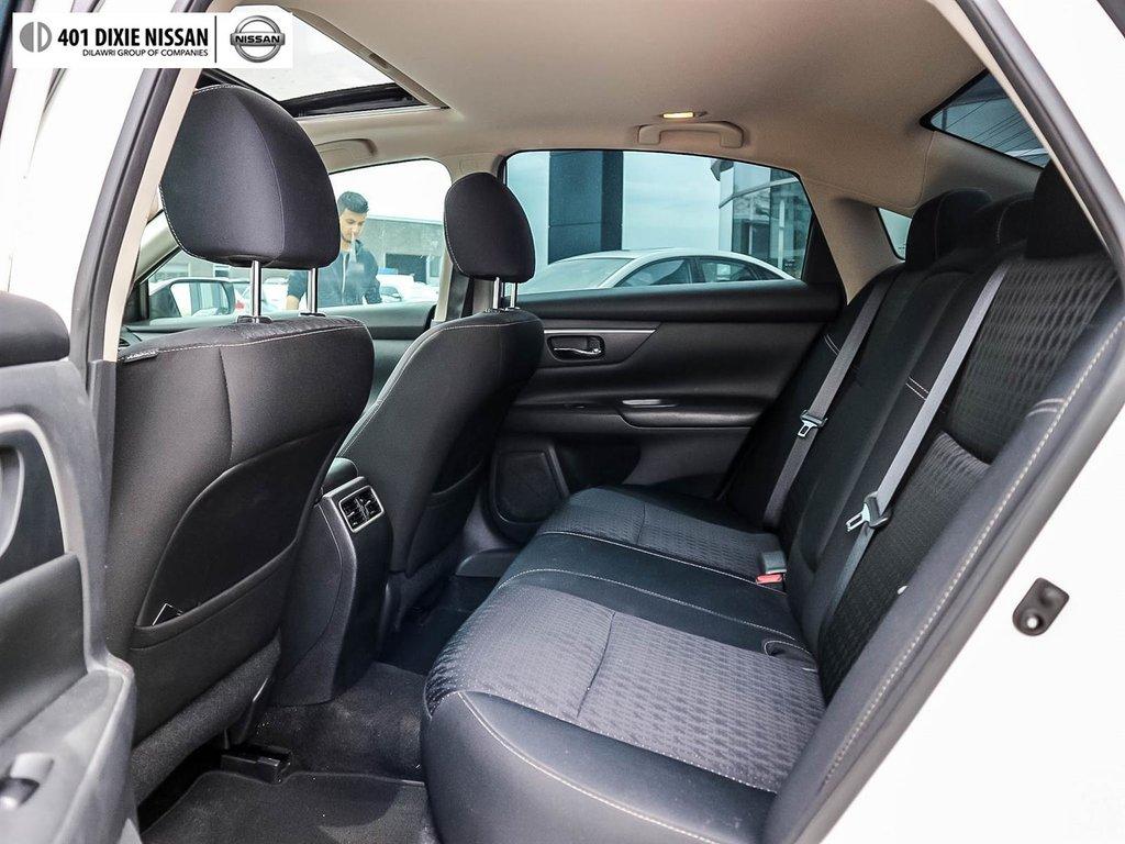2016 Nissan Altima Sedan 2.5 SV CVT in Mississauga, Ontario - 34 - w1024h768px