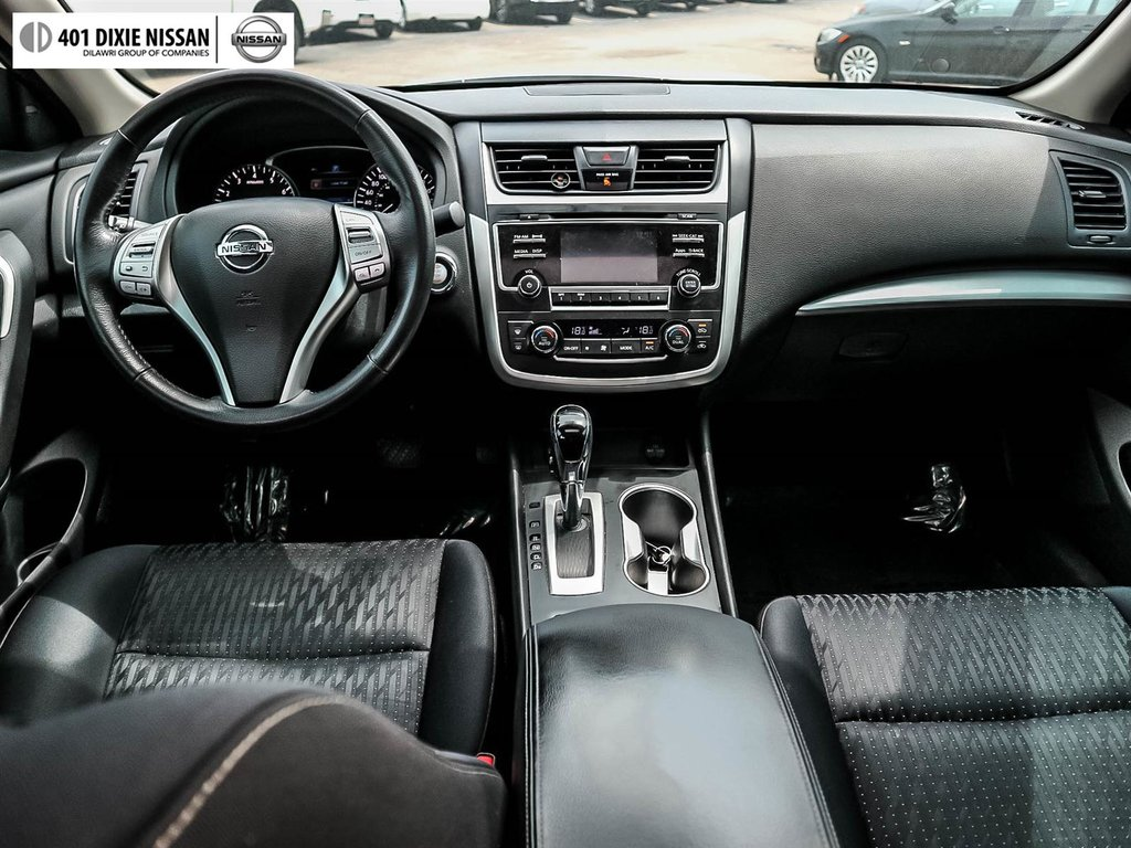 2016 Nissan Altima Sedan 2.5 SV CVT in Mississauga, Ontario - 35 - w1024h768px