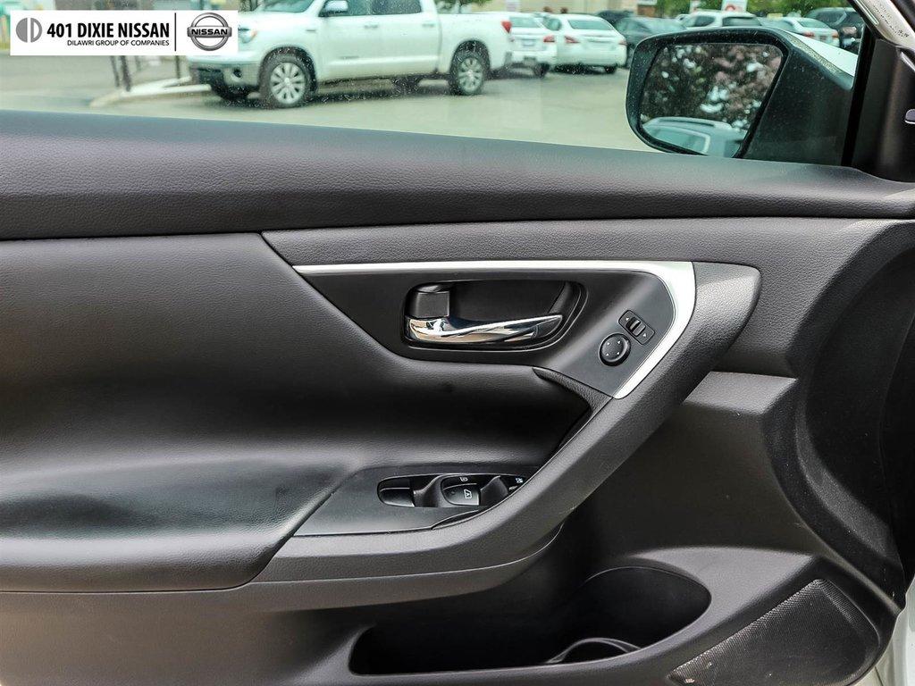 2016 Nissan Altima Sedan 2.5 SV CVT in Mississauga, Ontario - 31 - w1024h768px