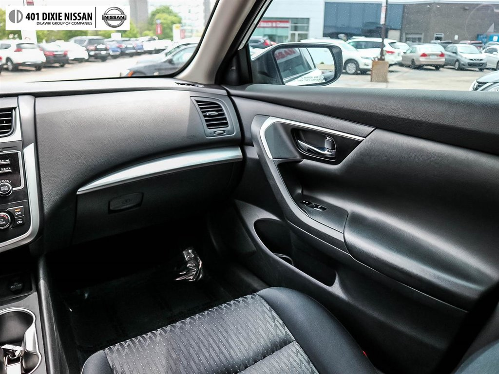 2016 Nissan Altima Sedan 2.5 SV CVT in Mississauga, Ontario - 38 - w1024h768px
