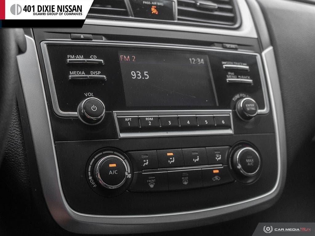 2017 Nissan Altima Sedan 2.5 S CVT in Mississauga, Ontario - 13 - w1024h768px